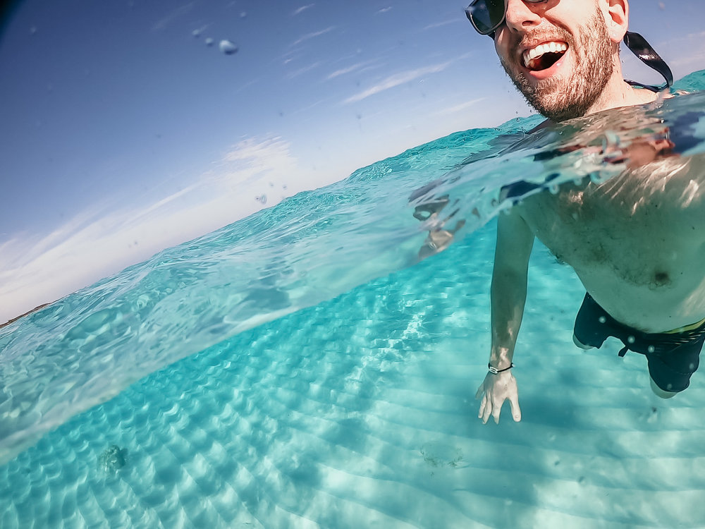 bahamas-vacation-in-exuma-pig-beach-2019GH010207-5.jpg