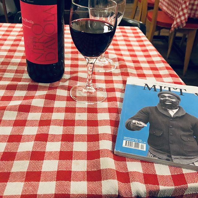 Every time, everywhere! w/ @meninthistown #4 #Wine & #magazine lover