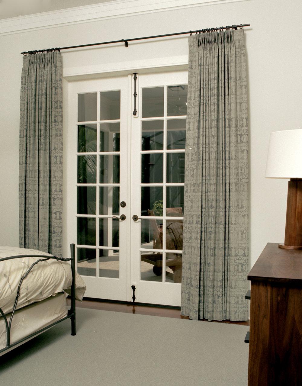 Guest Bedroom queen_edited-1.jpg