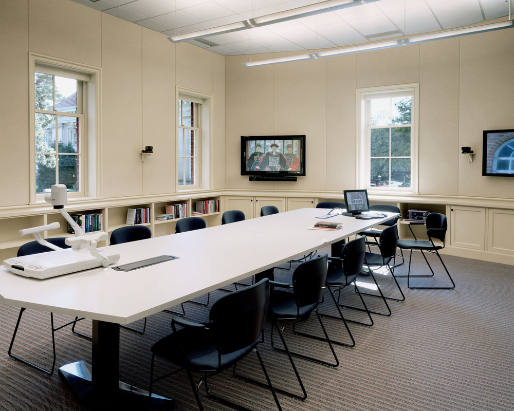 UNC CHAPEL HILL SEMINAR ROOM.jpg