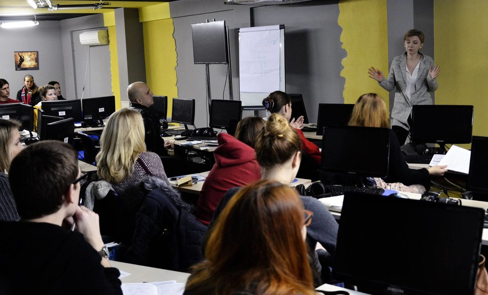 Hromadske CEO Katya Gorchinskaya leads a course on media management at the SRJ