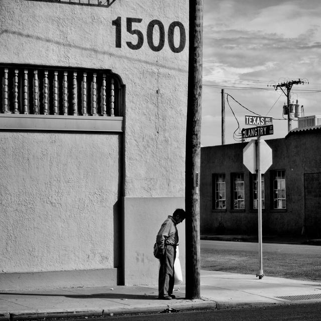 El Paso, TX. El Paso is a city in El Paso County, Texas. The population is 649,121 and 21.5% live below the poverty level.