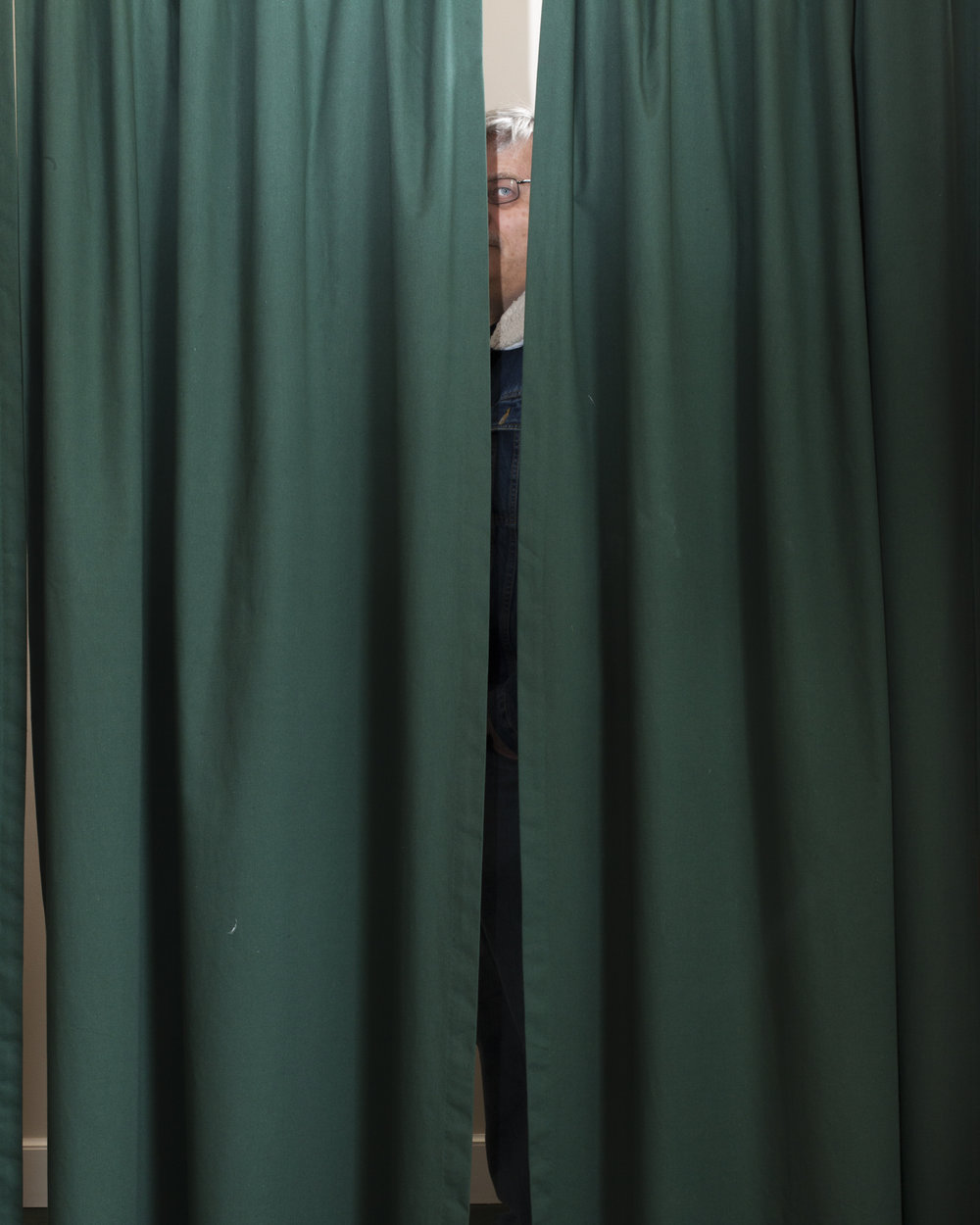 Dad Behind the Curtain, 2014