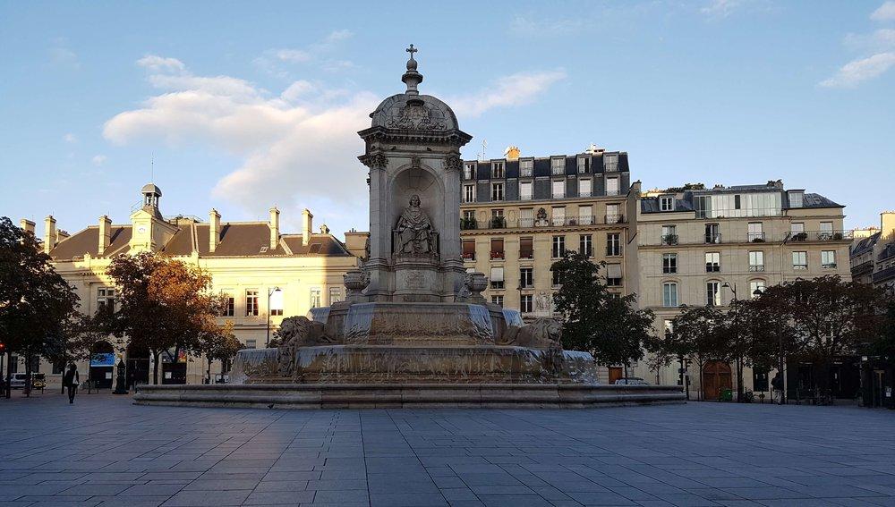 1996 - Antoine Chapoutot s'installe en étage, place Saint Sulpice.