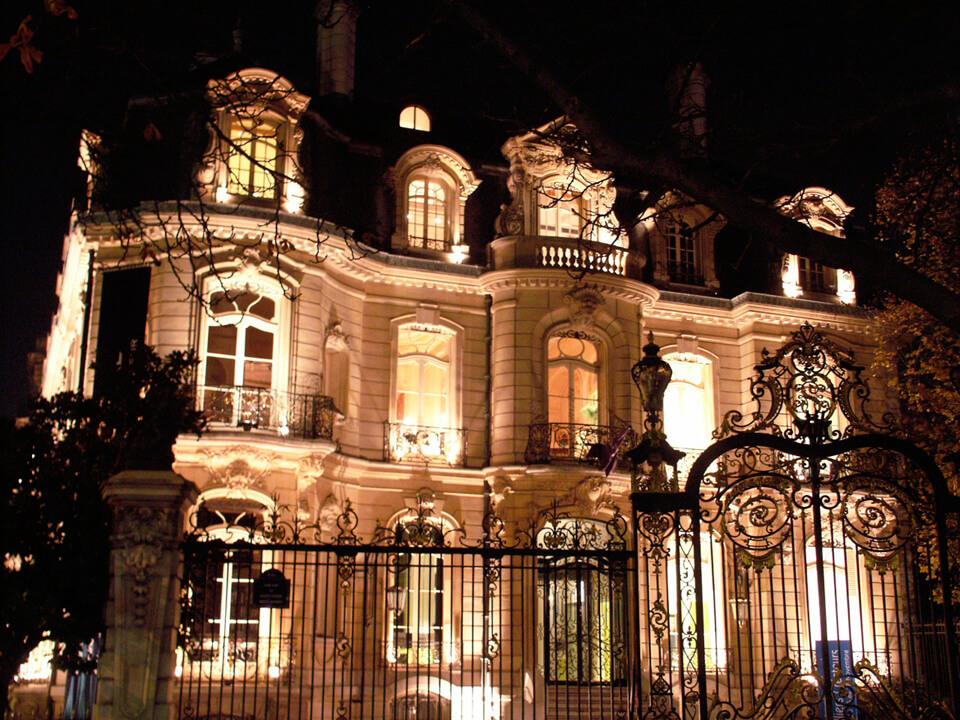"""2001 - 2004 - Antoine Chapoutot sera présent à chaque exposition""""Les Joailliers créateurs""""Rond point des Champs Élysées"""