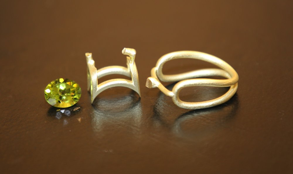 Fonte d'or jaune - Péridot ovale 5,00 carats