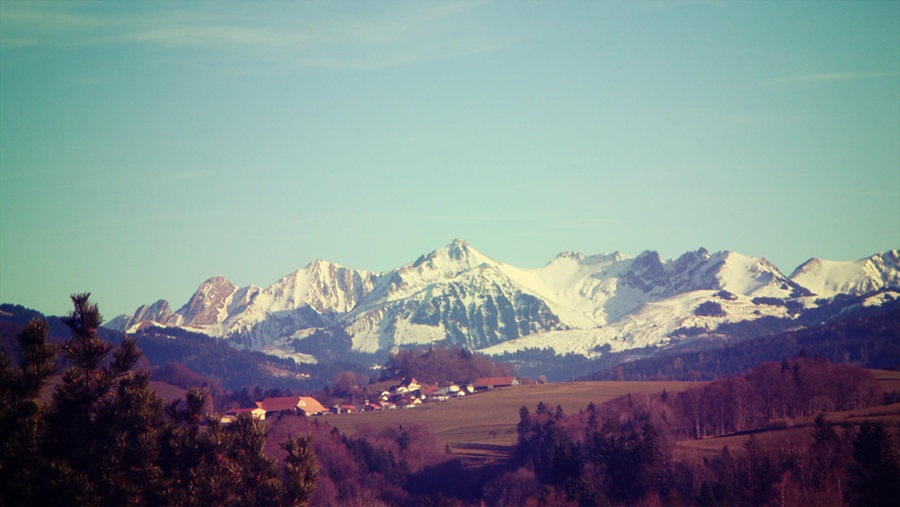 vintage_mountains_by_ctd_official-d38xyo1.jpg