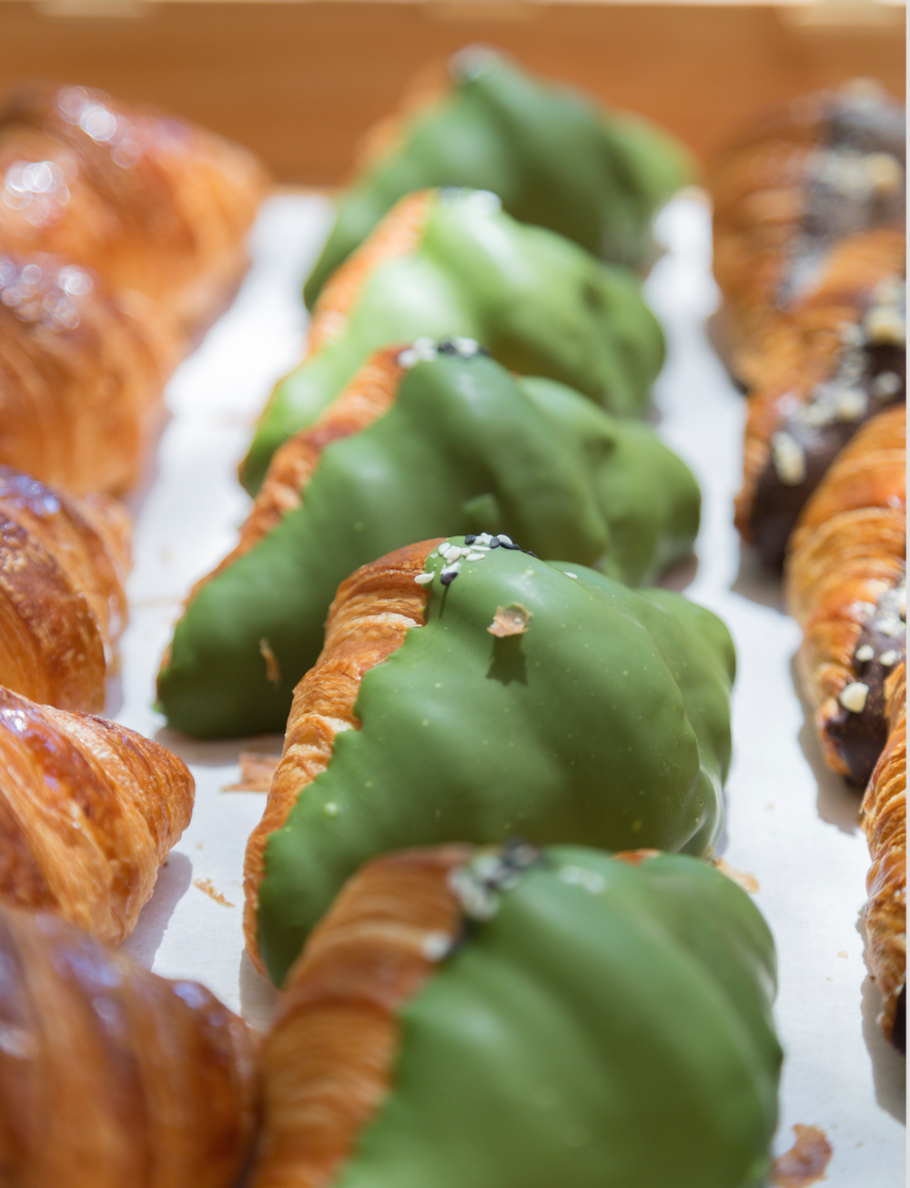Matcha Vibe (Mini Croissant)   French Flour, Japanese Flour, Egg, Isigny Butter, Matcha, White Chocolate