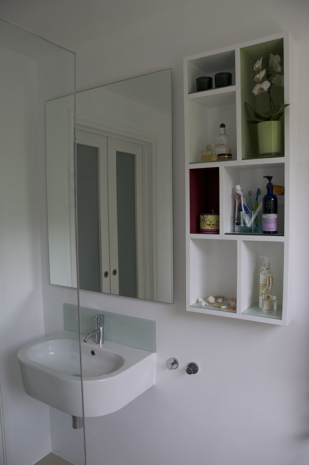 STV-sink mirror shelves from shower P.jpg
