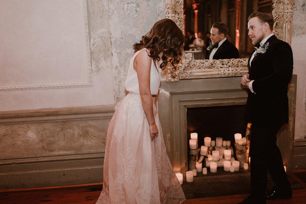 89507-romantic-winter-wedding-at-the-george-ballroom-by-caroline-sada-photography.jpg