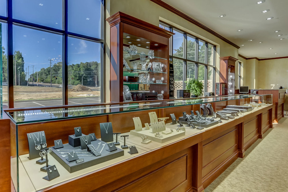 Albertine-Commercial-Bob-Richards-Jewelers-05.jpg