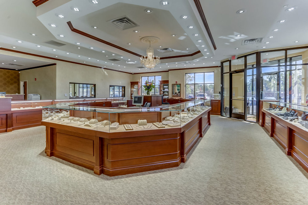 Albertine-Commercial-Bob-Richards-Jewelers-06.jpg