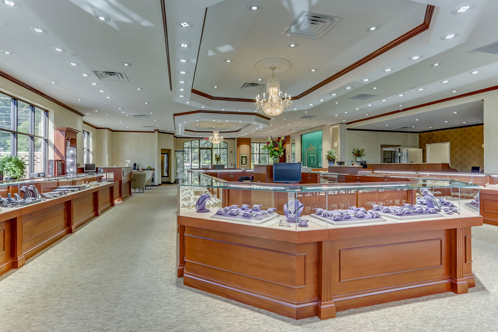 Albertine-Commercial-Bob-Richards-Jewelers-13.jpg