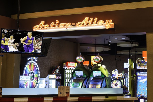 Albertine-Commercial-Malco-Premier-Lanes-07.png