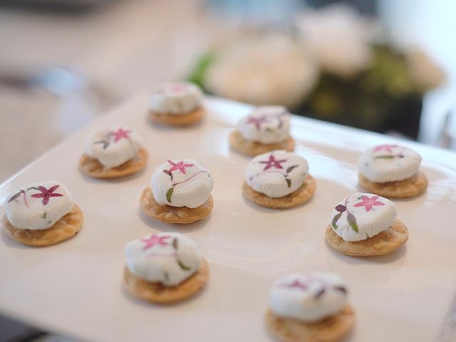 A close up of the edible fresh pressed flowers over chèvre! They're sitting on top of house- made chia seed crackers #privatedining . . . . #chefslife #happiness #Angecaters #sgig #luxlife #singapore #sglifestyle #finedining #deliciaecatering #privatediningsg #sgig #comedinewithme #caterersg #secretescapes #igsg #foodsg #chef #feedfeed