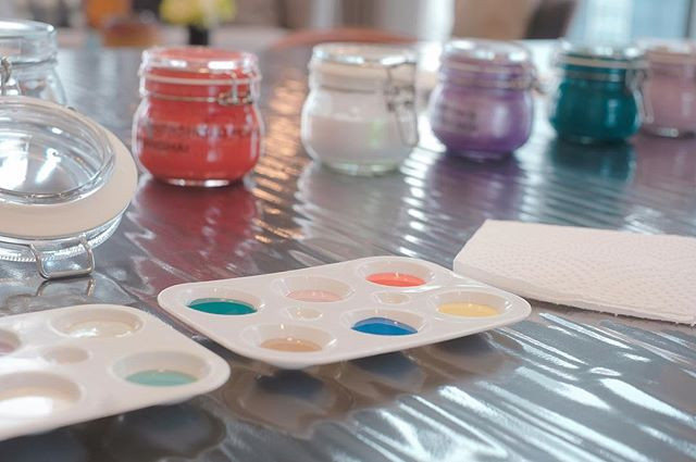 Snippet from one of our events when guests of ICON were treated to canapés and and live station from us while spending the afternoon letting their creativity flow with a painting session #artjam #privatedining . . . . #chefslife #happiness #Angecaters #sgig #luxlife #singapore #sglifestyle #finedining #deliciaecatering #privatediningsg #sgig #comedinewithme #caterersg #secretescapes #igsg #foodsg #chef #feedfeed