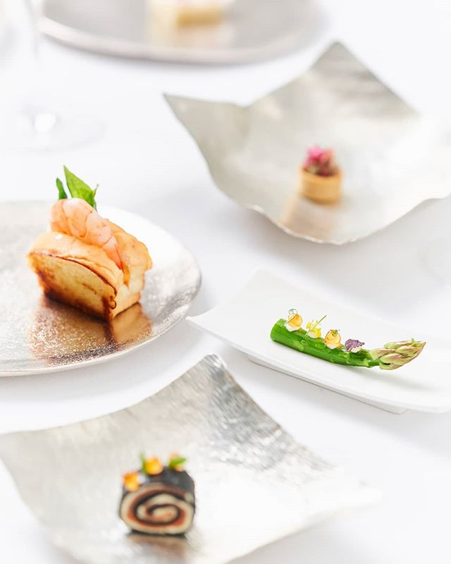 Forget your run-of-the-mill catering service - first impressions count and we are all about making a big impact, both in our food styling and with flavour!  With Déliciae Catering Co., every bite is a masterpiece!  #deliciaecatering #chefslife #sgig #luxlife #singapore #sglifestyle #finedining #privateparties #privatediningsg #caterersg  #privatedining #canapes