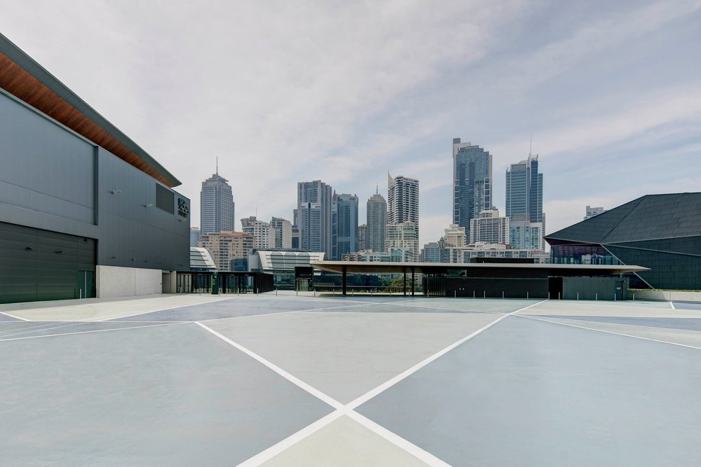 An external event deck of 5,000 sqm, including a bar and lounge featuring spectacular city views -