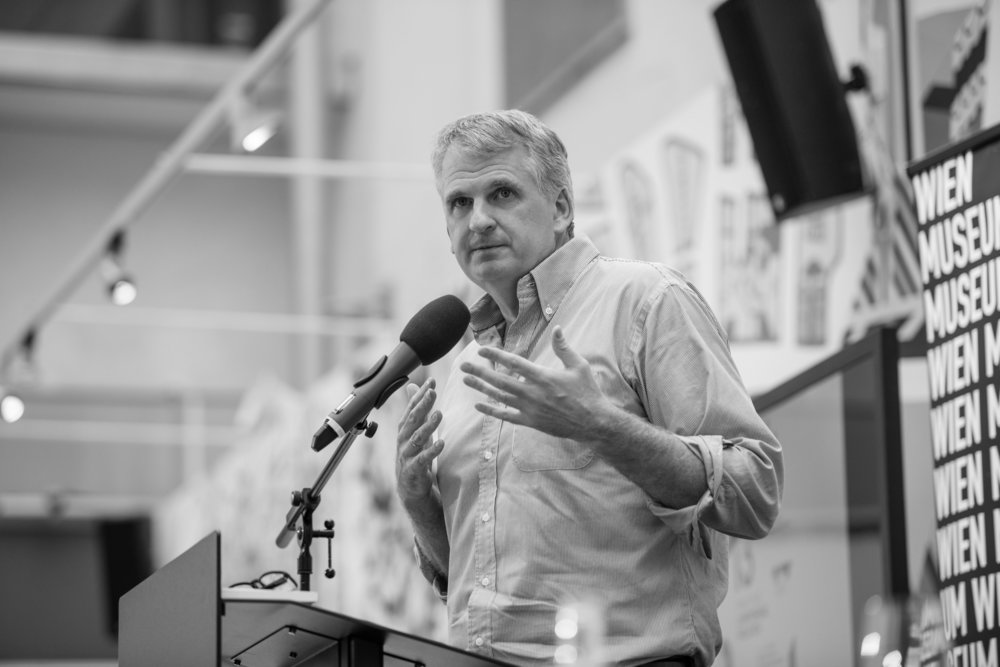 Professor Timothy Snyder lecturing at Wien Museum. Photograph: Zsolt Marton (c).