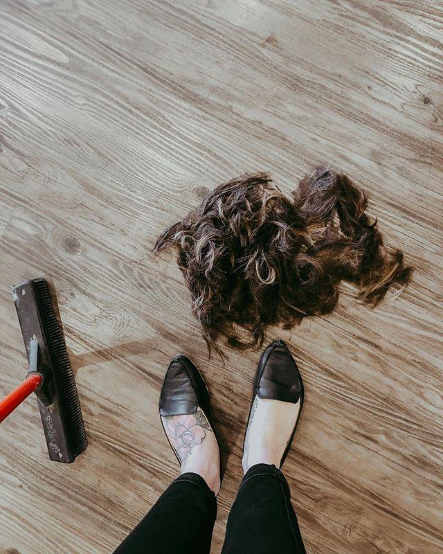 Bye hair.  Like, all of it. 💇🏻♀️💁🏻♀️ #shorthair #haircut #hairstyles #hair #haircuts #shorthairdontcare #newhair #newhaircut #hairy #style #chopped #makeover #newme