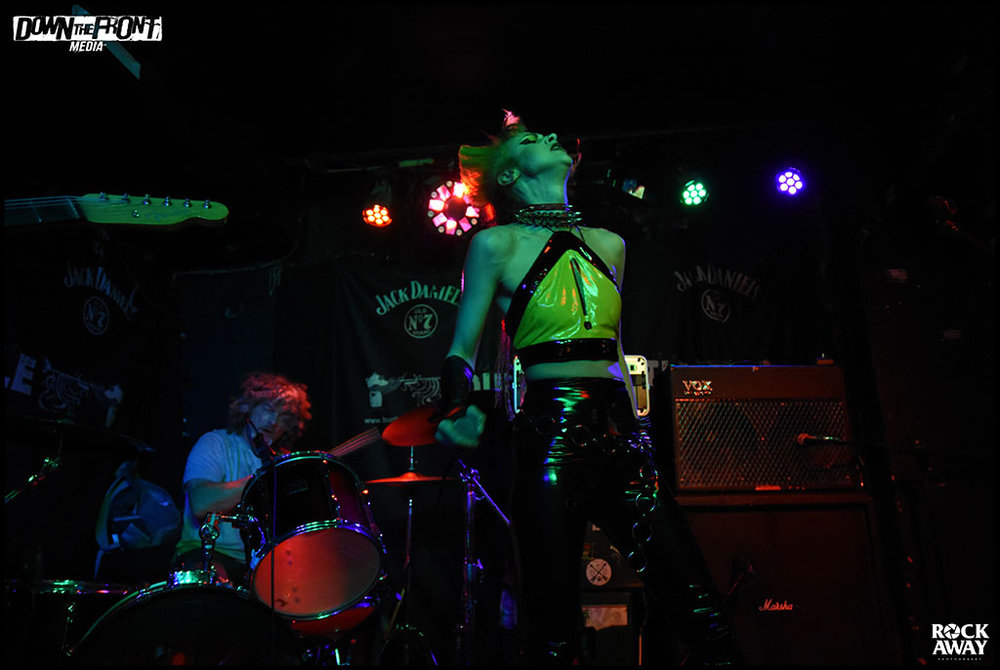Pussycat and The Dirty Johnsons 04.jpg