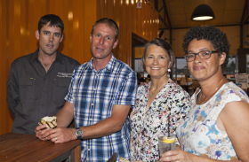 Informal discussions at Due South Tavern following The Science of Grapes and Wine. Left to right: Shane Wilkes, Howard Park Wines; Rob Diletti, winemaker; Jennifer Scott and Beverley Bradshaw. Photo credit: Andrew Storrie