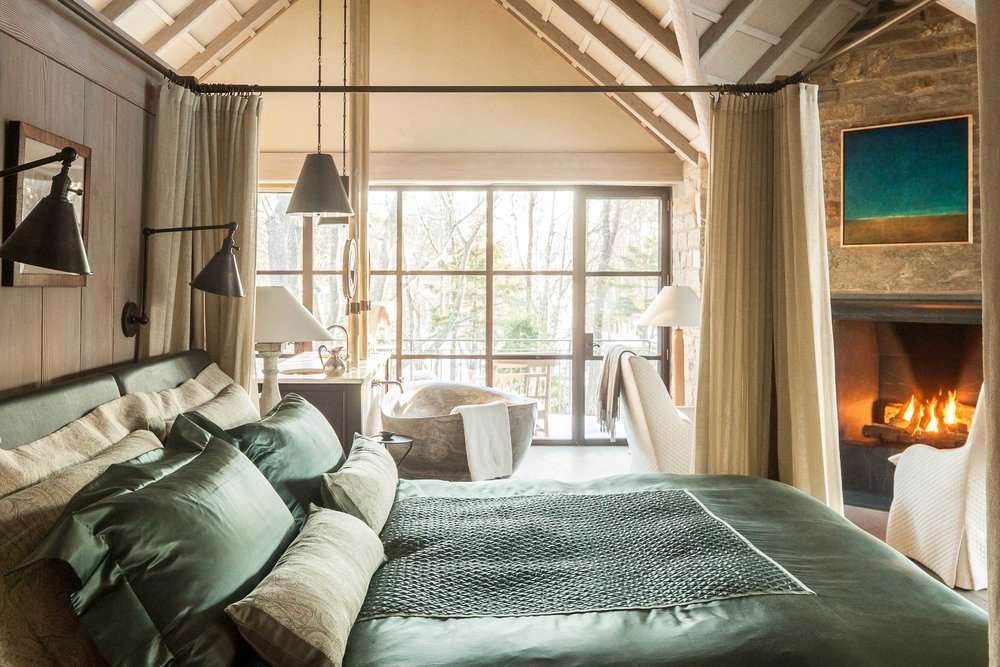 Vaulted ceilings in the master bedroom evoke the great lodges of the late 18th and early 20th centuries.