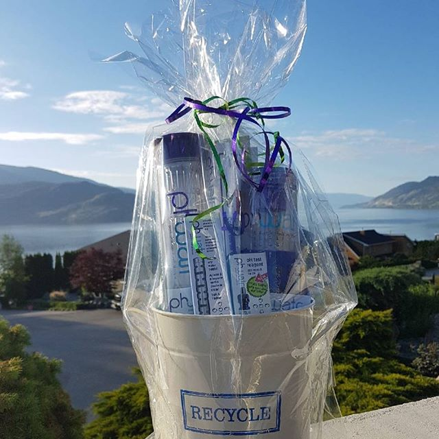 Tonight's #giveaway includes our entire line of Phwatr products! Only at Ladies Health Night 2018 with @cloverdalepharmasave . .💧Learn how Phwatr works. .💧Take 15% off all Phwatr products. .💧Win prizes like this basket of products and others!