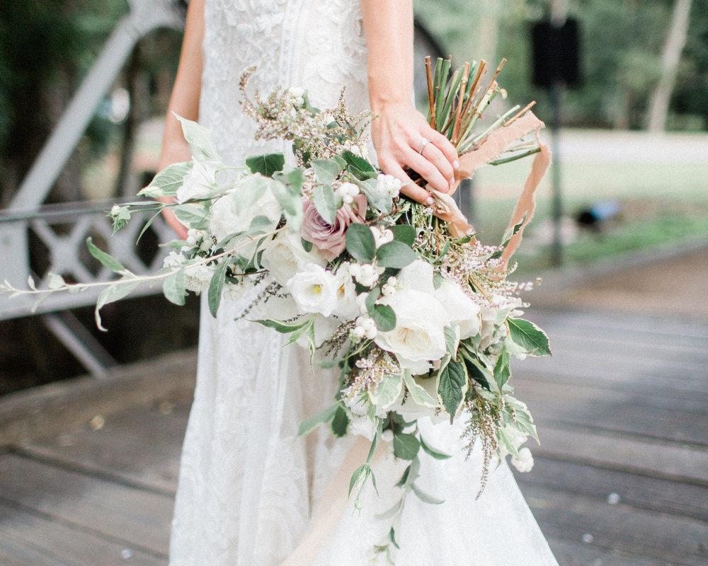 Lush Outdoor Wedding - september 2018