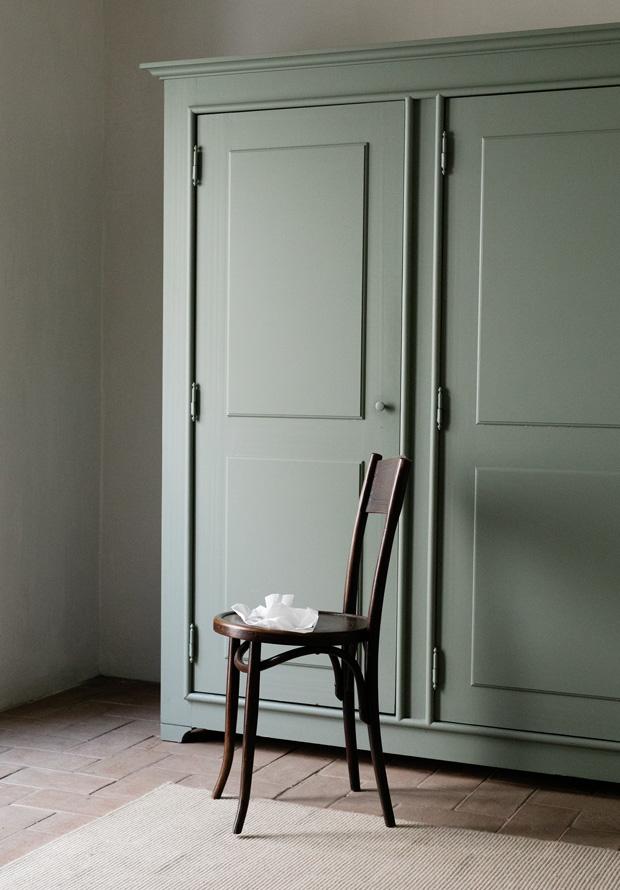olive_wardrobe.jpg