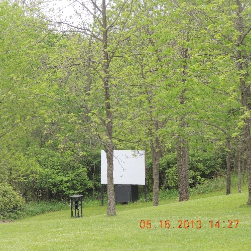 Things to do - Through out the camping season we routinely have activities like outdoor movies, with a concession stand. We also have ice cream socials and bingo! There is something fun to do for everyone at Oakdale campground