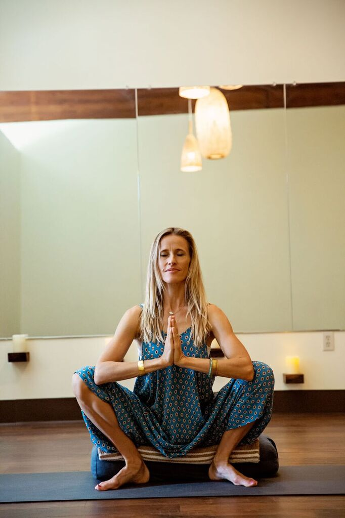 Kylie Cole is one of our most beloved Prenatal Womb Wisdom teachers on Maui and here at Soulasana. She has been practicing and teaching for over twenty years and brings her unique style influenced by her doula work, massage therapy practice, Chinese medicine and acupressure training and her personal spiritual and healing energy.