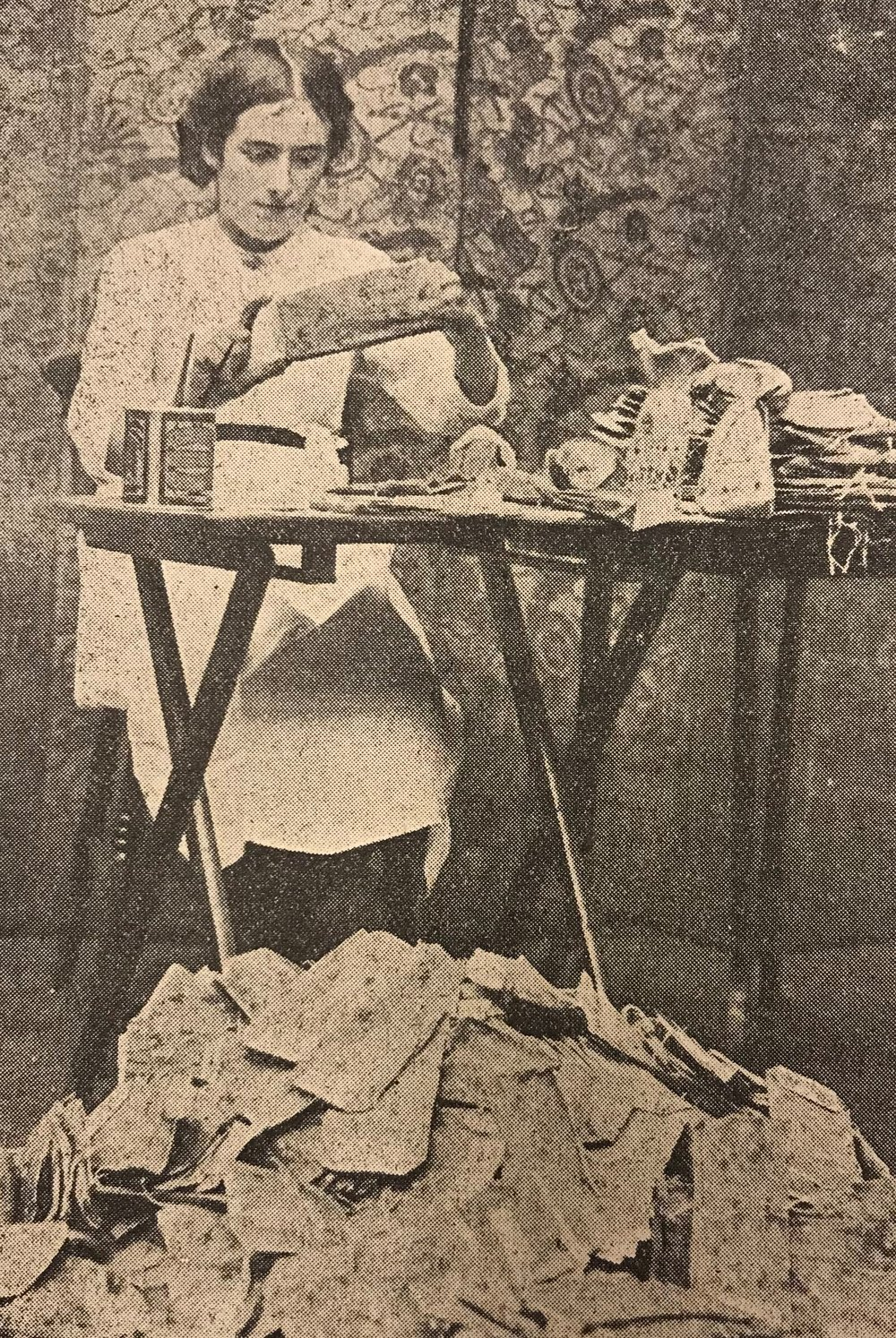 Women workers making bags formerly manufactured in Germany. From the Marylebone Record.