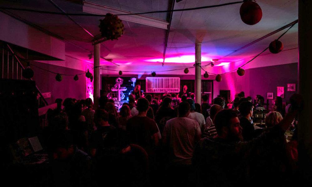 Selbstbedienung_Punk_Rock_Danke_Aarau.jpg