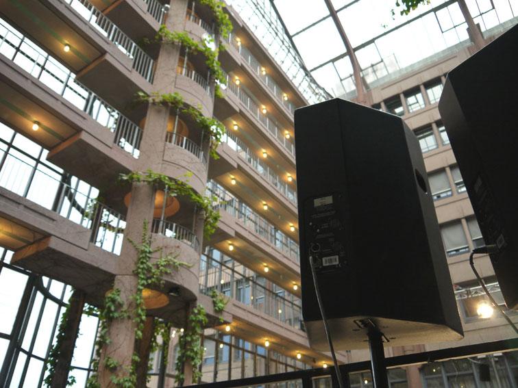Zueblin-Innenraum+Box2011.jpg