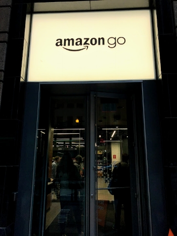 The storefront to Amazon Go's first Chicago location in the Loop