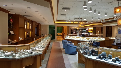 A look inside Razny' Jeweler's Oak Street location