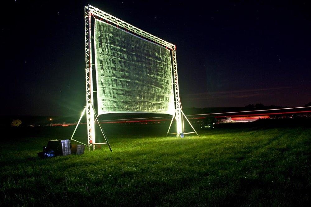 5m-high-laser-screen_23188335254_o-1920x1280.jpg