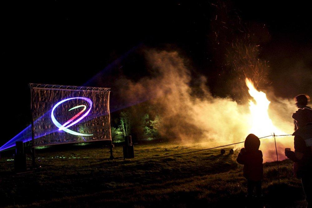hamptoncourtfireworks-10_32552993170_o-1920x1280.jpg