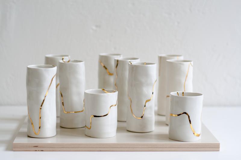Vasen für Feldblumen // Porzellan, handbemalt 18K Gold