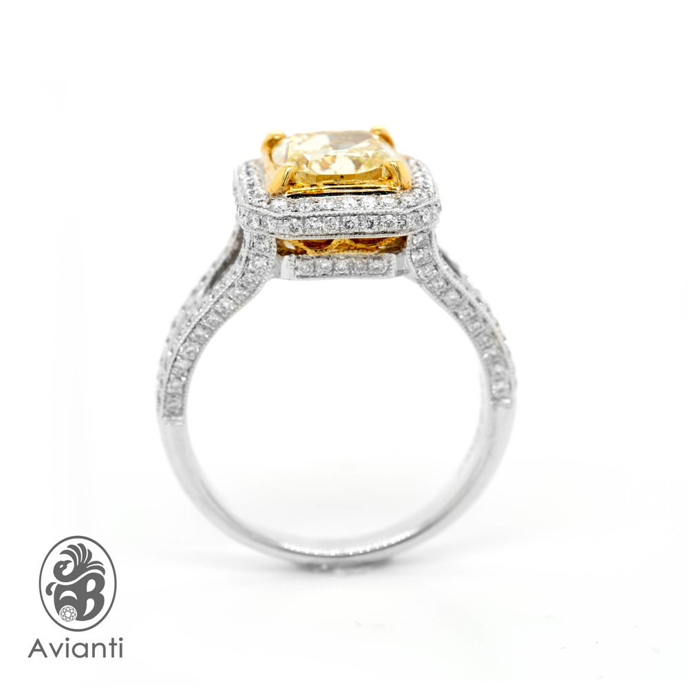 1d1391b81e Red Carpet Women's Ring. 18K White Gold. Cushion Canary Yellow Diamond And  Round Diamonds.