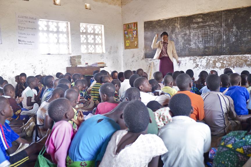 malawi classroom web.jpg
