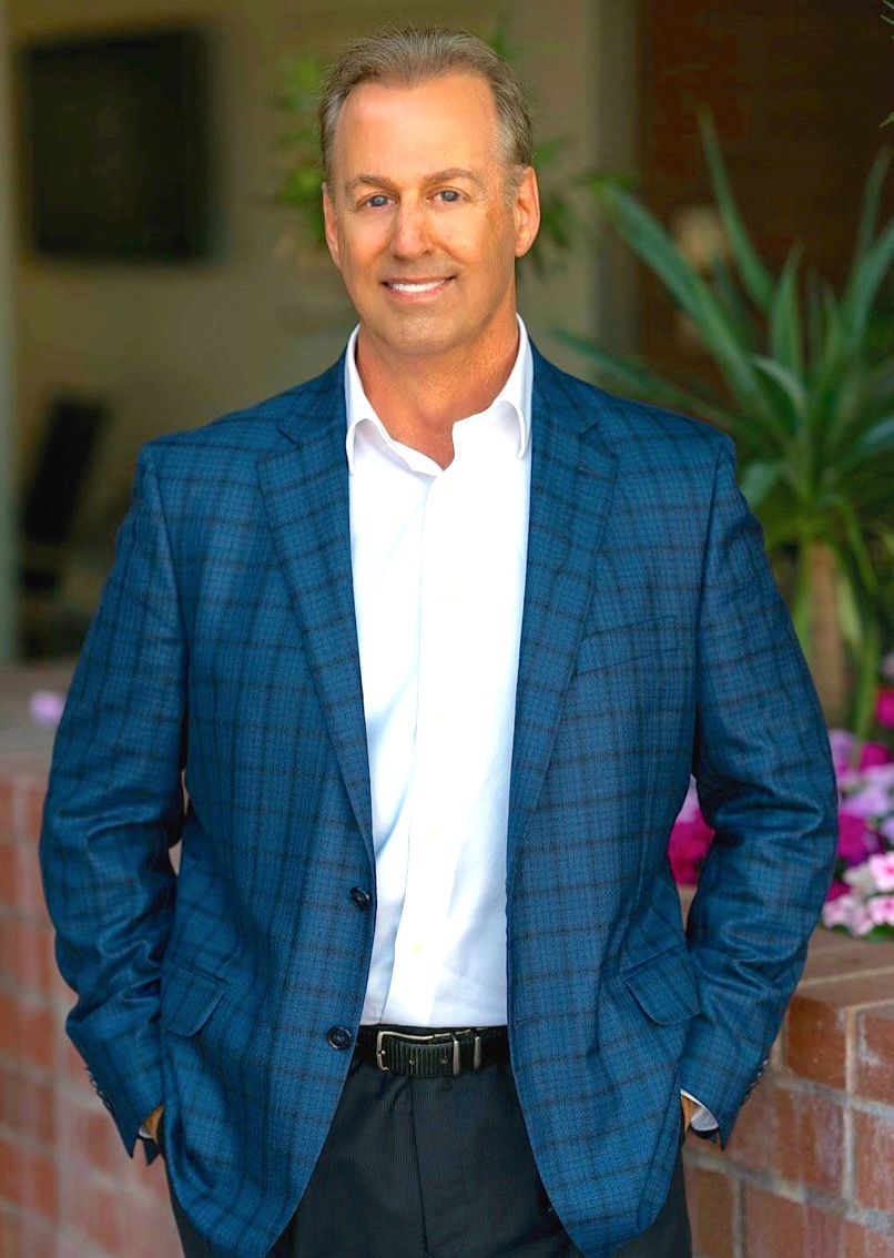 HOWARD POULTON - PrincipalBroker / Associate, CPS, SFR, SRES30+ years Luxury Home SpecialistHoward has earned numerous real estate awards and designations as well as been recognized for his outstanding achievements and professionalism in the real estate industry.Over the course of the last 30 years, he has worked with people from all over the world and gained many loyal clients that continue to refer business to him.LEARN MORE