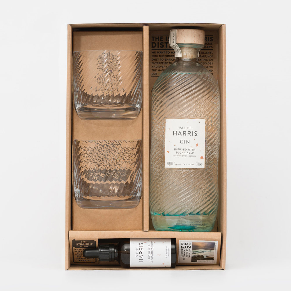 Isle of Harris Gift Box Plus - All the elements for savouring a smooth taste of Harris Gin, with a hint of Hebridean seas.
