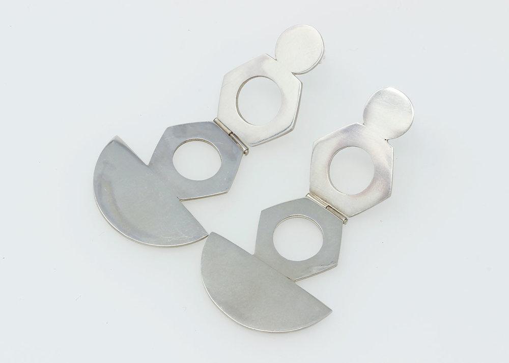 London-Jewellery-School-Silver-Jewellery-Intensive-Diploma-Student-Final-Pieces-Circle-Brooch-Hinged-Drop-Earrings-web-optimised.jpg
