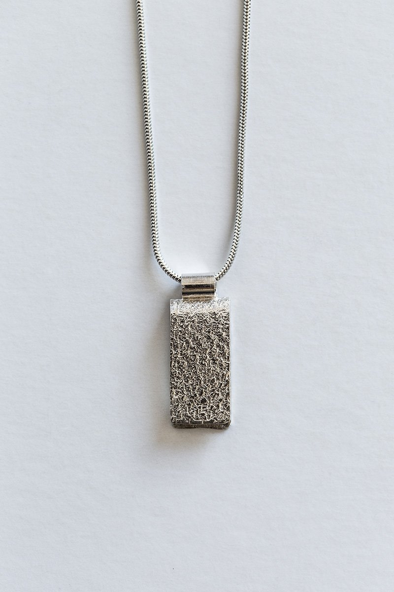 Just-a-Touch-Necklace-by-Jill-Alexander-Contemporary-Jewellery-7-800_2048x.jpg