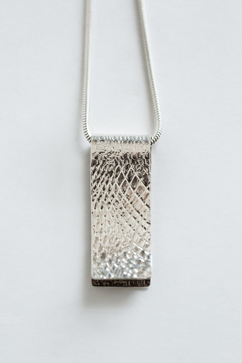Lightly-Touching-the-Land-Necklace-by-Jill-Alexander-Contemporary-Jewellery-40-800_2048x.jpg