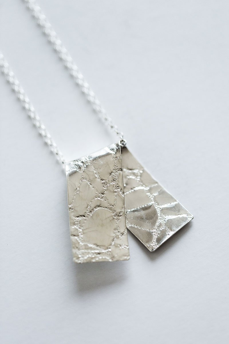 Gently-Folded-Necklace-by-Jill-Alexander-Contemporary-Jewellery-56-800_2048x.jpg