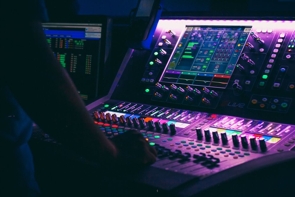 Hardware products - From audio and video equipment to broadcast technology we supply our clients with the best-in-class in all parts of the production chain.TV studio equipment, video/audio contribution & distribution, transcoding, studio in a box, playout, storage, live streaming solutions.