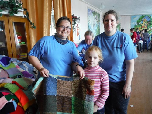Blanket made by Ollaberry School pupils finds a new owner.
